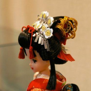 着せ替え人形の結髪とヘアーデザイン