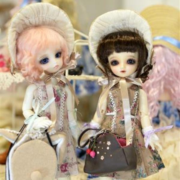 モデル人形は(株)ボークス社のドールです。